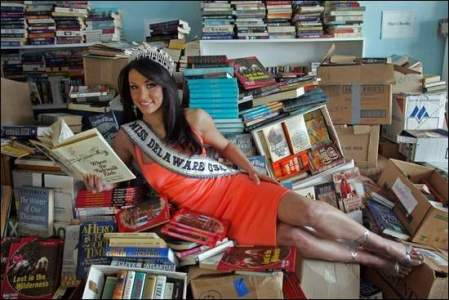 As Miss Delaware USA, Vincenza promoted reading throughout the state.