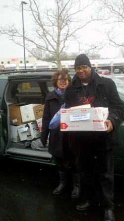 Friends of the Wilmington Library packed the van FULL of books on this blustery day! The books are sold at two Used Book Sales and the proceeds benefit library programs and restocking.