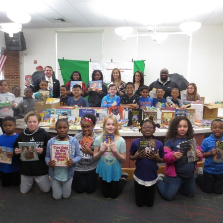 Delaware literacy organization Success Won't Wait celebrates Drop Everything and READ Month with Colonial School District Book Giveaway