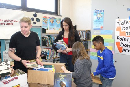 Success Won't Wait donates over 400 books to Carrie Downie Elementary in New Castle, Delaware! Vincenza Carrieri-Russo