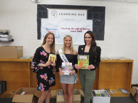 Success Won't Wait donates 400+ books to Pleasantville Elementary School in New Castle, Delaware