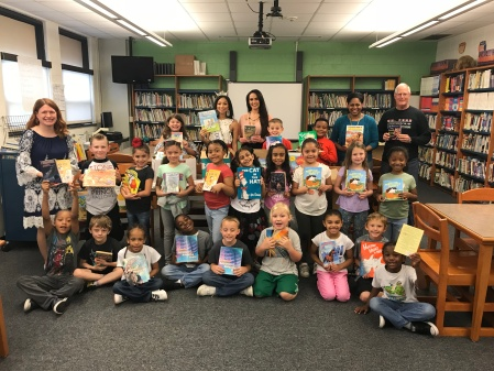 Success Won't Wait donates 600+ books to Castle Hills Elementary School to finish the school year on a high note!