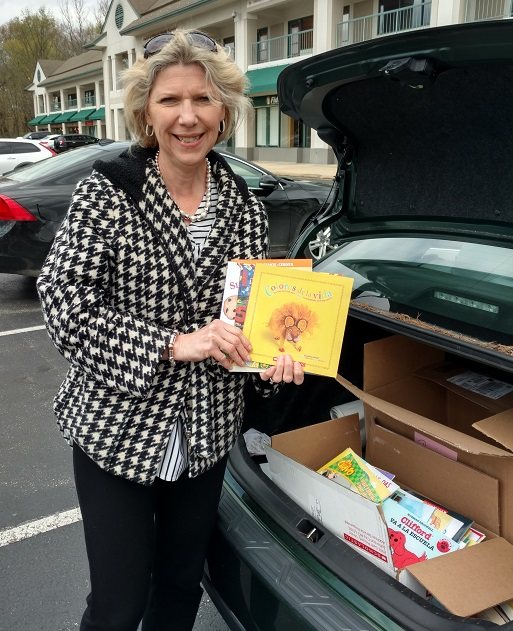 Success Won't Wait supports The Wilmington Hospital Pediatrics Clinic with a donation of 200+ books